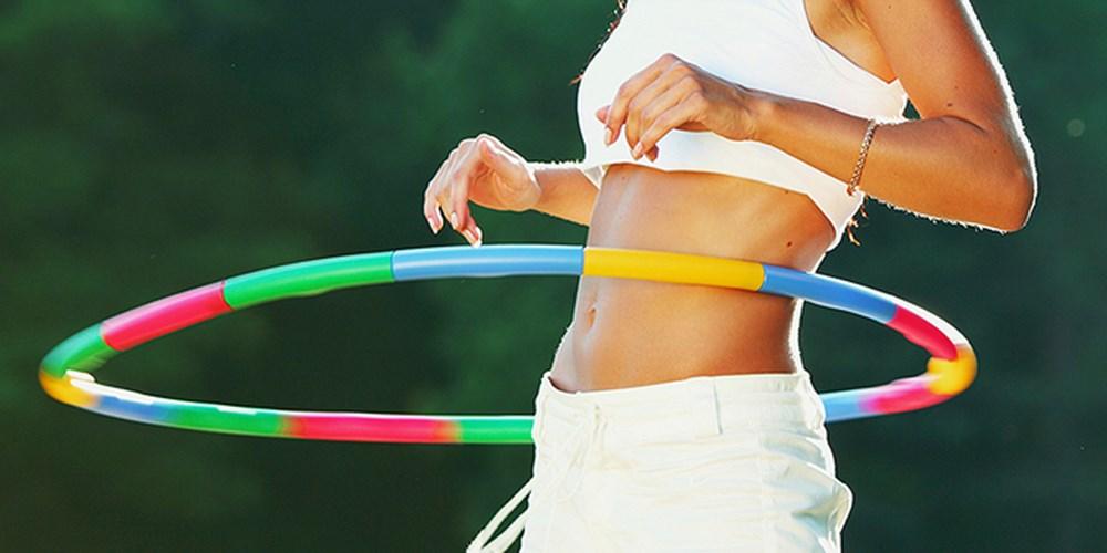 Tư vấn bí quyết cách lắc vòng đúng cách giúp người tập giảm mỡ bụng triệt để2