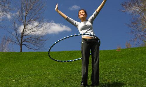 Tư vấn bí quyết cách lắc vòng đúng cách giúp người tập giảm mỡ bụng triệt để4