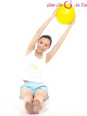 Bài tập giảm cân với bóng đơn giản dễ thực hiện-phần 1