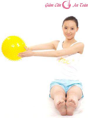 Bài tập giảm cân với bóng đơn giản dễ thực hiện-phần 2