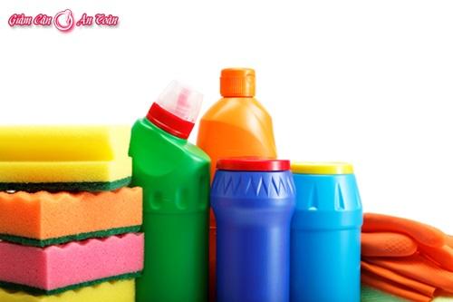 Những cách tẩy rửa dễ gây chết người-p1