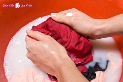 Những cách tẩy rửa dễ gây chết người-p4