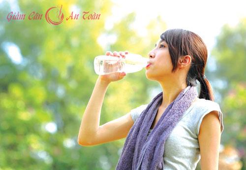 Những nước uống giải nhiệt tốt nhất vào mùa hè sau