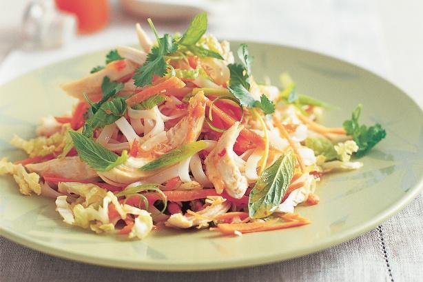 Làm salad thịt gà cho thực đơn giảm cân thêm hấp dẫn 1