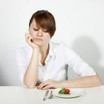 Tác hại khôn lường khi bạn nhịn ăn để giảm cân
