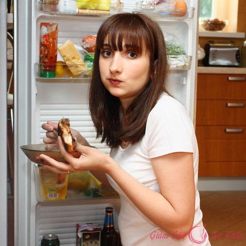 thói quen khiến bạn dễ tăng cân