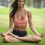 Duy trì vóc dáng thon gọn với các bài tập yoga đơn giản được thực hiện ngay tại nhà