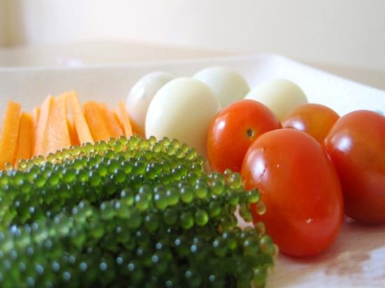 la-mieng-va-bo-duong-hon-voi-mon-salad-rong-nho-va-bap-cai-tim-2