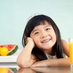 Chăm sóc sức khỏe cho trẻ mỗi ngày với các loại nước ép hoa quả