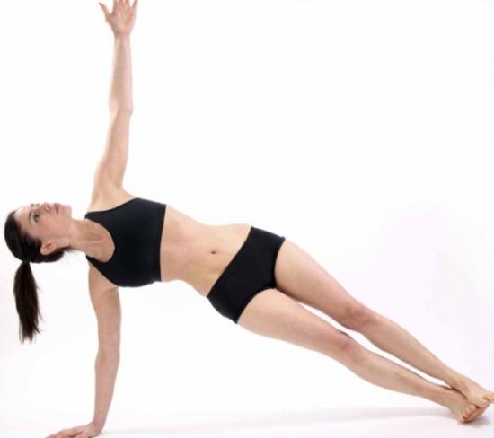 giam-can-va-cham-soc-suc-khoe-moi-ngay-voi-mot-so-dong-tac-yoga-don-gian-1