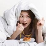 Một số sai lầm thường mắc phải do ăn tối làm ảnh hưởng đến vóc dáng