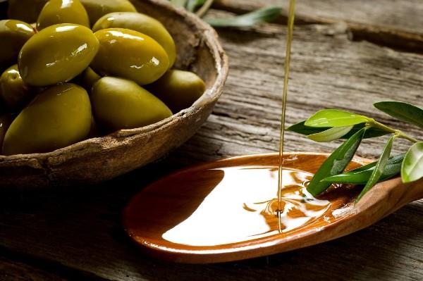 Dưỡng ẩm và làm trắng da siêu hiệu quả với tinh dầu olive