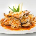 Vui miệng hơn với món ăn giúp giảm cân nghêu xào sa tế