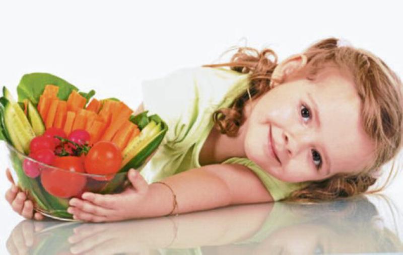 Tạo cho trẻ thói quen ăn uống lành mạnh