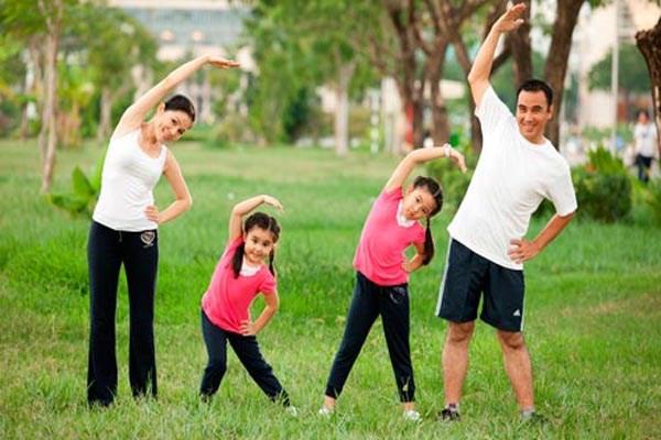 Cho trẻ biết những lợi ích tuyệt vời của quá trình vận động cơ thể