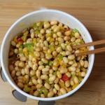 Cuối tuần vào bếp làm món salad đậu nành giảm cân