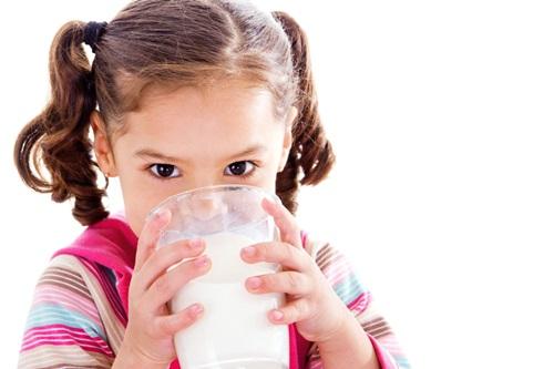 Những lợi ích thần kỳ của sữa đậu nành đối với trẻ em