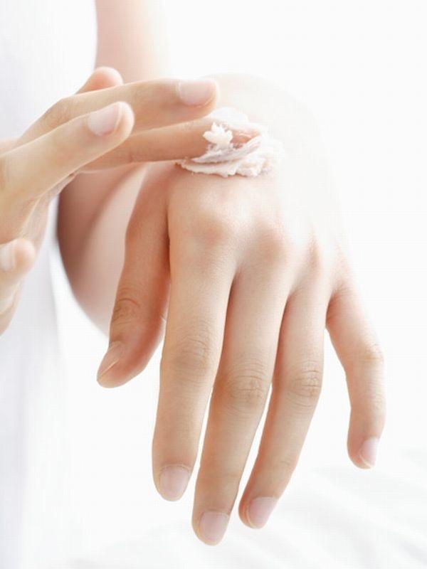 Bí quyết chống lại đôi tay lão hóa cực nhanh 1