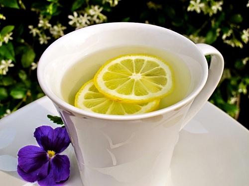 Uống nước chanh để thanh lọc cơ thể, giảm cân nhanh chóng