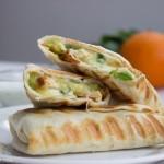 Thực hiện bánh mì kẹp thơm ngon từ thịt gà và bơ chỉ trong 10 phút