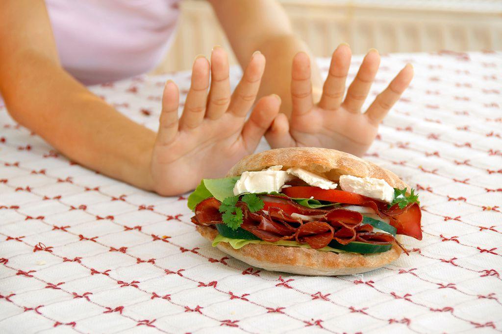 Lựa chon đúng loại thực phẩm bổ sung vào thực đơn ăn uống hàng ngày hỗ trợ giảm cân tốt hơn