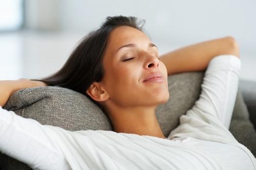 Giữ tinh thần thoải mái để giảm cân sau sinh nhanh chóng