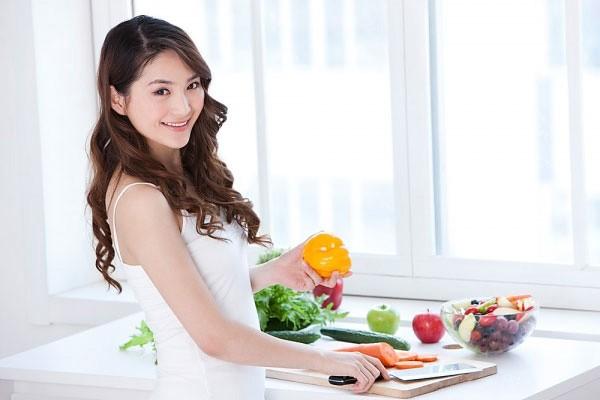Tránh xa các loại thức ăn chứa nhiều dầu mỡ giúp bữa trưa giảm cân thêm hoàn hảo