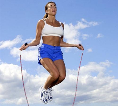 Nhảy dây phù hợp với nhiều địa hình.