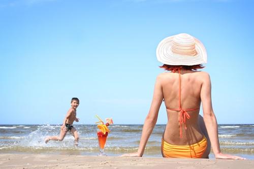 Giúp bạn phục hồi làn da cháy nắng sau khi đi biển