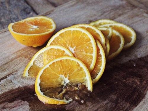 Tuyệt chiêu trị hôi nách đơn giản từ cam và chanh 1