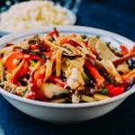 Cho bữa cơm giảm cân lạ miệng hơn với món gà xào măng tươi hấp dẫn