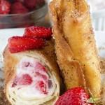 Vào bếp làm bánh Strawberry cuộn dâu tây hấp dẫn