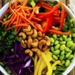 Lạ miệng với món salad giảm cân từ hạt điều và rau củ