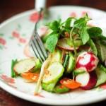 Cách làm salad giảm cân với dưa leo và củ cải cực hấp dẫn