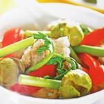 Thử món canh sườn nấu chua giảm cân cho ngày đầu tuần