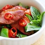 Cách biến tấu món vịt quay xào rau củ cho bữa ăn thêm ngon, lạ miệng