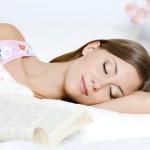 Những việc không nên làm trước khi ngủ để dáng thon và da luôn đẹp
