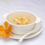 Giúp thực đơn giảm cân thú vị hơn với món chè hạt sen
