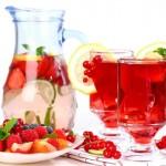 Nhóm trái cây màu đỏ giúp giảm cân nhanh chóng bạn nên ăn mỗi ngày