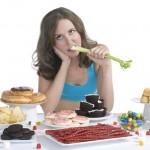 Những thứ cần tránh ăn để giảm cân nhanh sau sinh