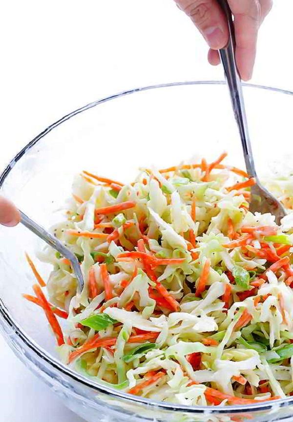Giam-can-mat-lanh-voi-mon-salad-sua-chua-4