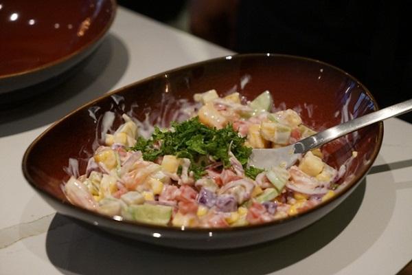 Giam-can-mat-lanh-voi-mon-salad-sua-chua-5
