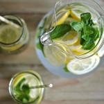 Tự chế biến nước Detox tại nhà giúp bạn giảm nhanh 4kg trong 2 tuần