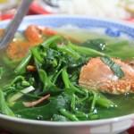 Biến tấu thực đơn giảm cân với món canh rau muống nấu ghẹ