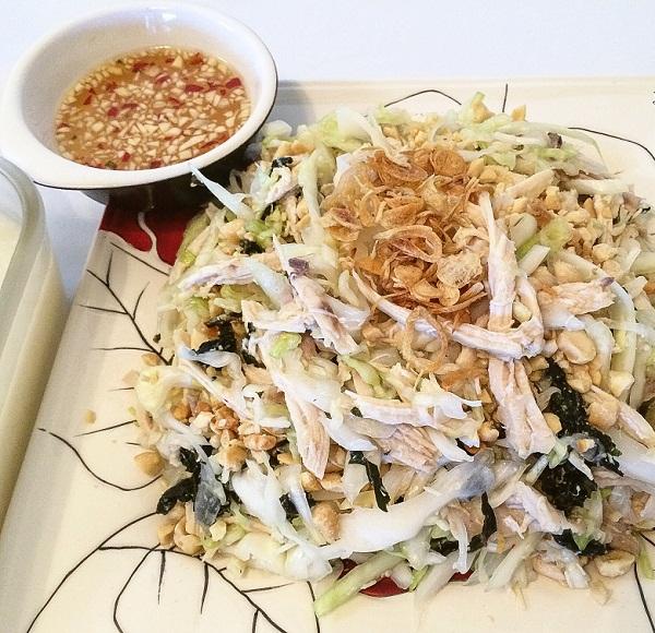 Lam-nhanh-mon-salad-uc-ga-de-thuong-thuc-moi-ngay-1
