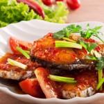 Chế biến món cá thu sốt me chua ngọt cho bữa ăn giảm cân thêm đậm đà