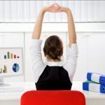 Tư vấn 4 tư thế yoga dành cho dân văn phòng giảm cân và xua tan mệt mỏi