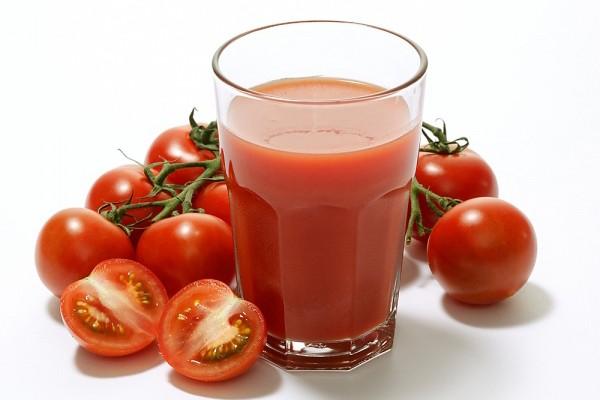 Nước ép cà chua là cách giảm cân khá phổ biến.