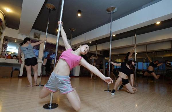 Ít ai biết múa cột cũng rất phù hợp để giảm cân.