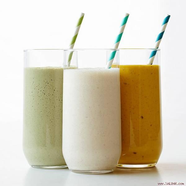 Không giống như các thực phẩm khác, sinh tố là lựa chọn bô sung protein cực hợp lý.